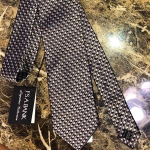Jos A Banks Signature Collection silk tie